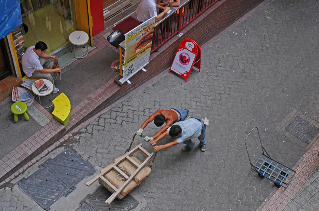 16juancarlosgarcialorenzo-photography-flickr-hongkong-buildingacityonthebacksofmen