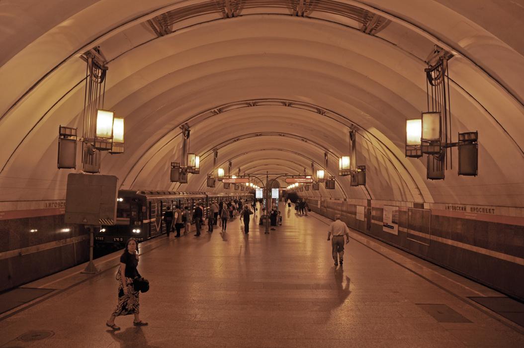 10 juancarlosgarcialorenzo-photography-flickr-russia-saintpetersburg-ligovskyprospektmetrostation
