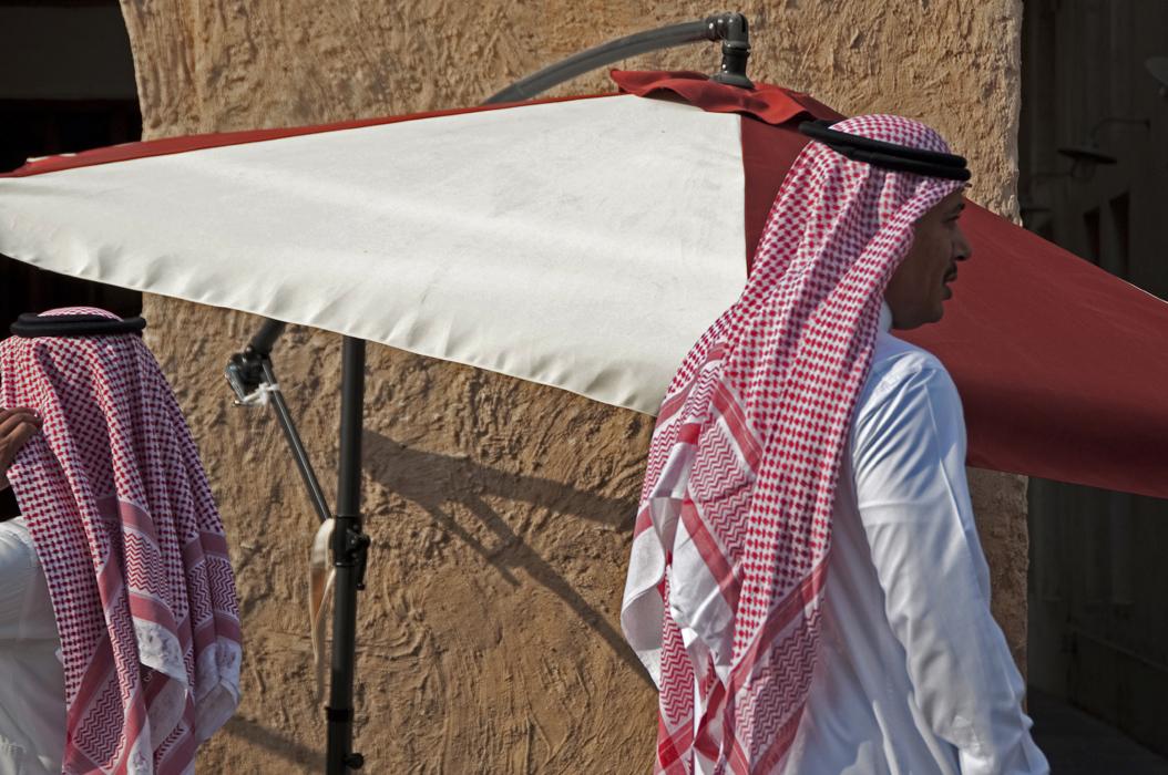 13 juancarlosgarcialorenzo-photography-flickr-qatar-doha-souqwaqif-men