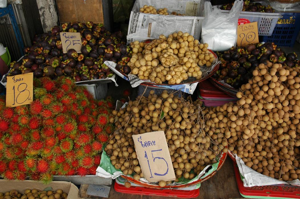 20 juancarlosgarcialorenzo-photography-flickr-thailand-bangkok-streetvendors-fruit