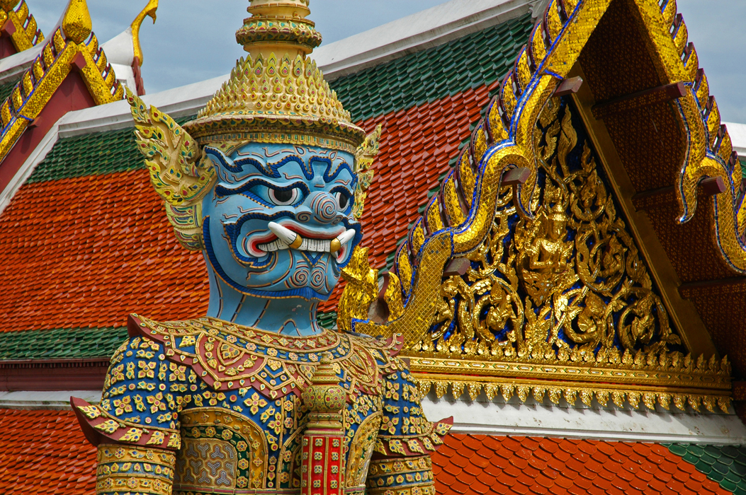 3 juancarlosgarcialorenzo-photography-flickr-thailand-bangkok-grandpalace-demonguard-yak