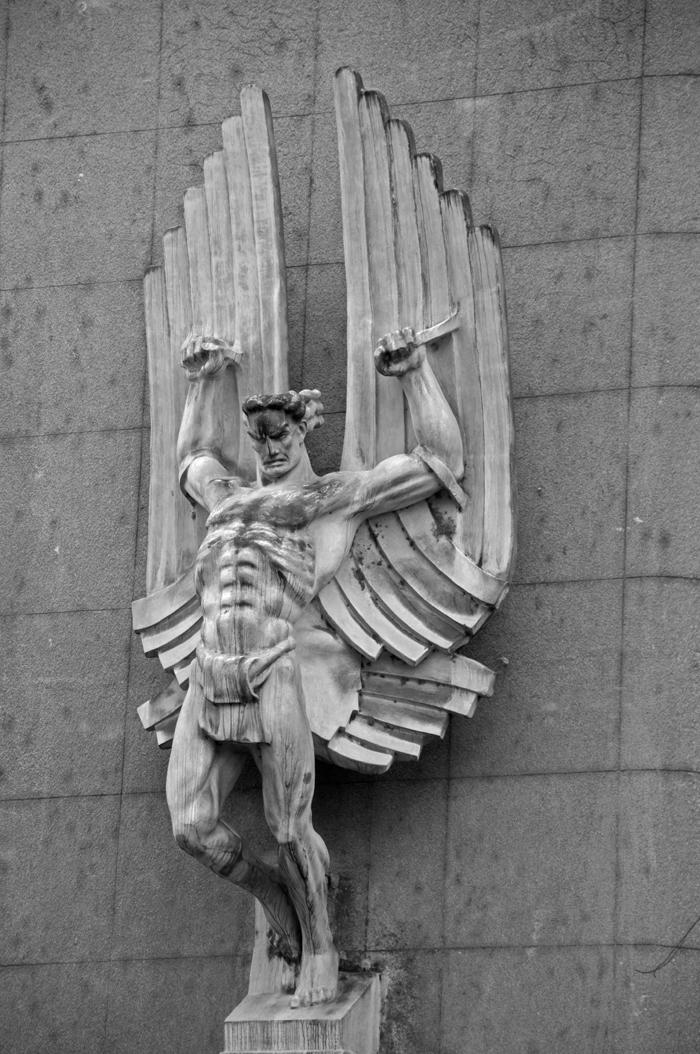 19 juancarlosgarcialorenzo-photography-flickr-serbia-zemun-glavnakarađorđeva-building-detail