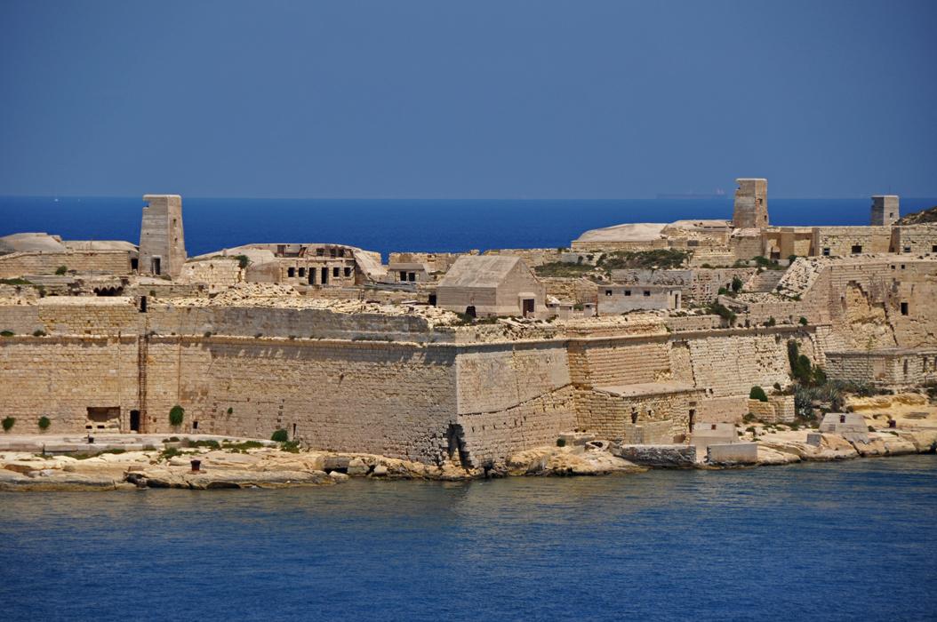 28 juancarlosgarcialorenzo-photography-flickr-malta-kalkara-grandharbour-militaryarchitecture