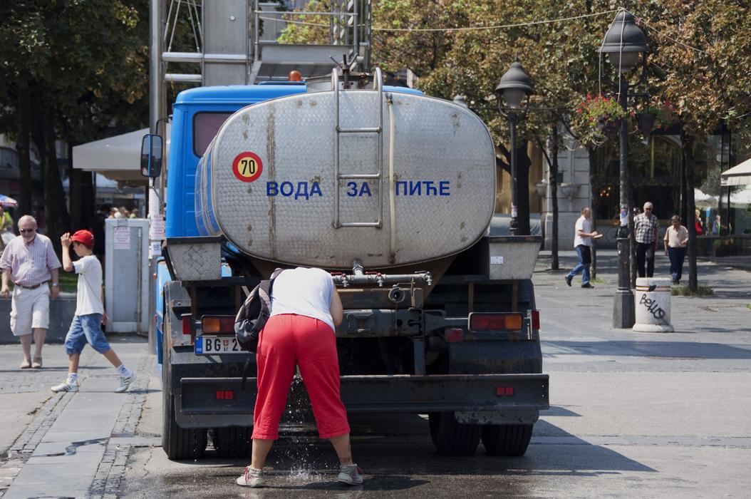 3 juancarlosgarcialorenzo-photography-flickr-serbia-belgrade-trgrepublike-heatwave