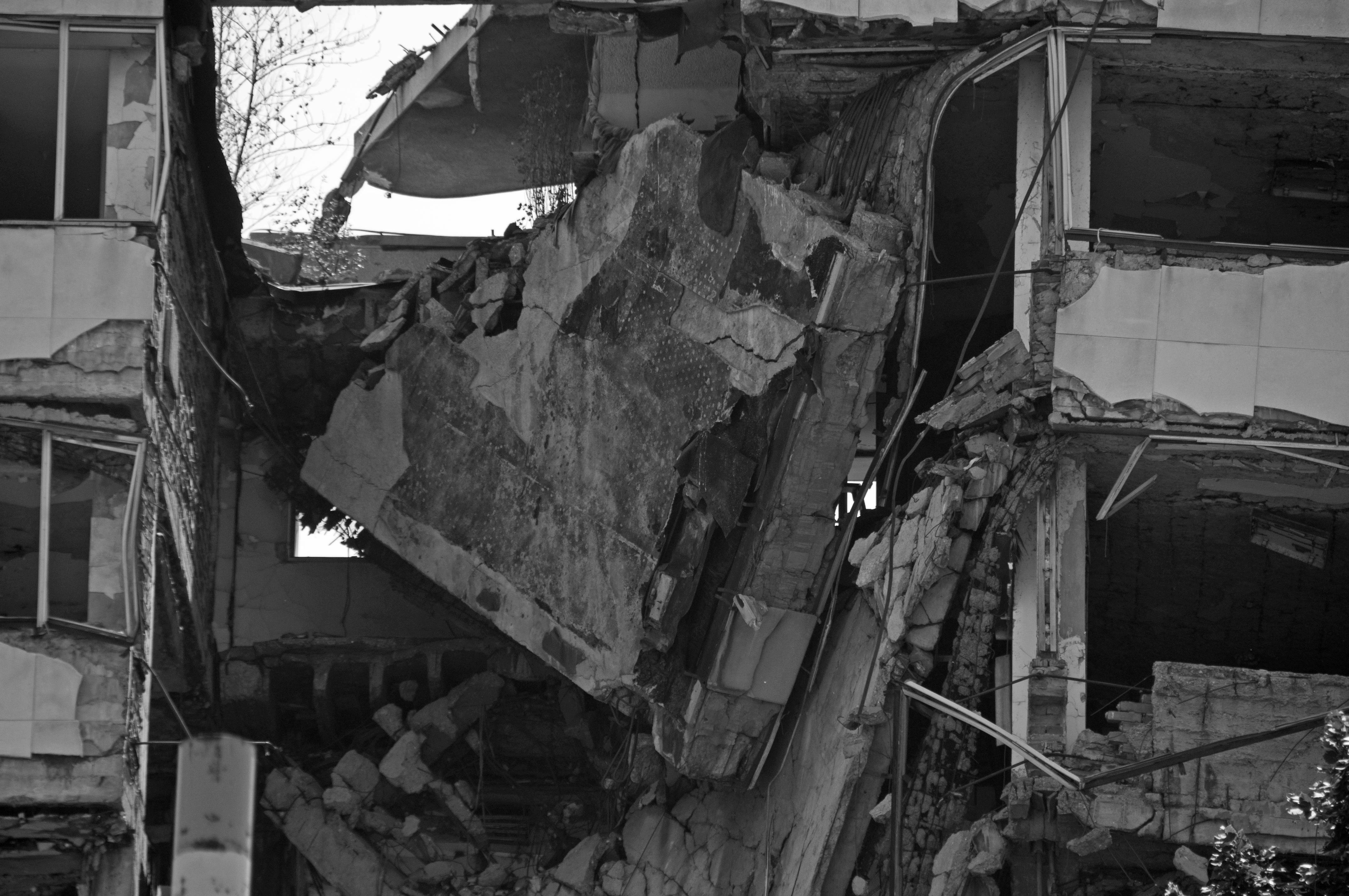 9 juancarlosgarcialorenzo-photography-flickr-serbia-belgrade-knezamiloša-ministryofinternalaffairsbombedbynatoin1999