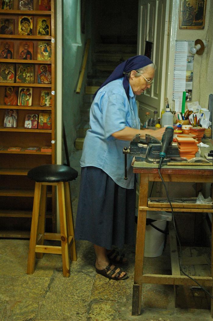 10 juancarlosgarcialorenzo-photography-flickr-israel-jerusalem-christianquarter-nun