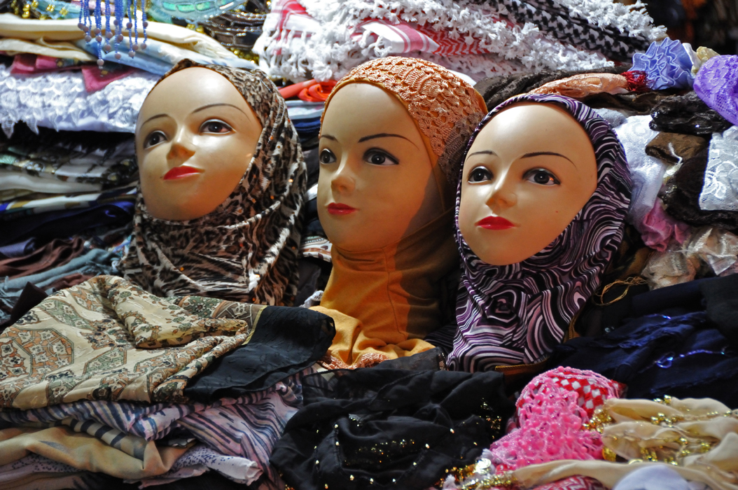 29 juancarlosgarcialorenzo-photography-flickr-israel-jerusalem-muslimquarter-headscarves