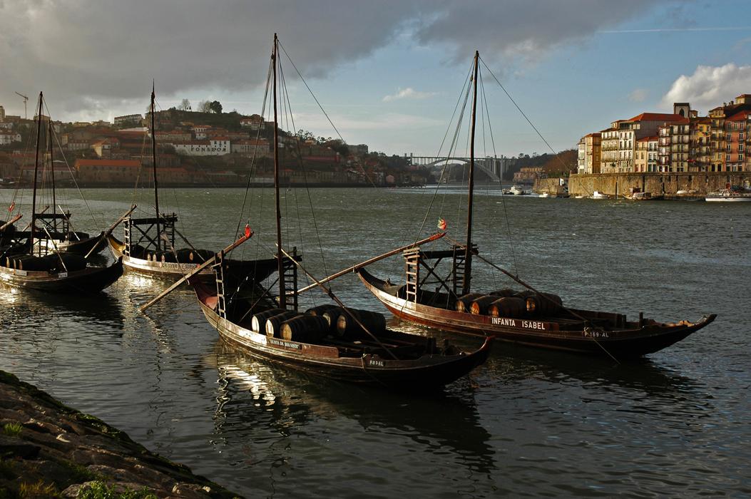 12 juancarlosgarcialorenzo-photography-flickr-portugal-porto-vilanovadegaia-barcosrebelos