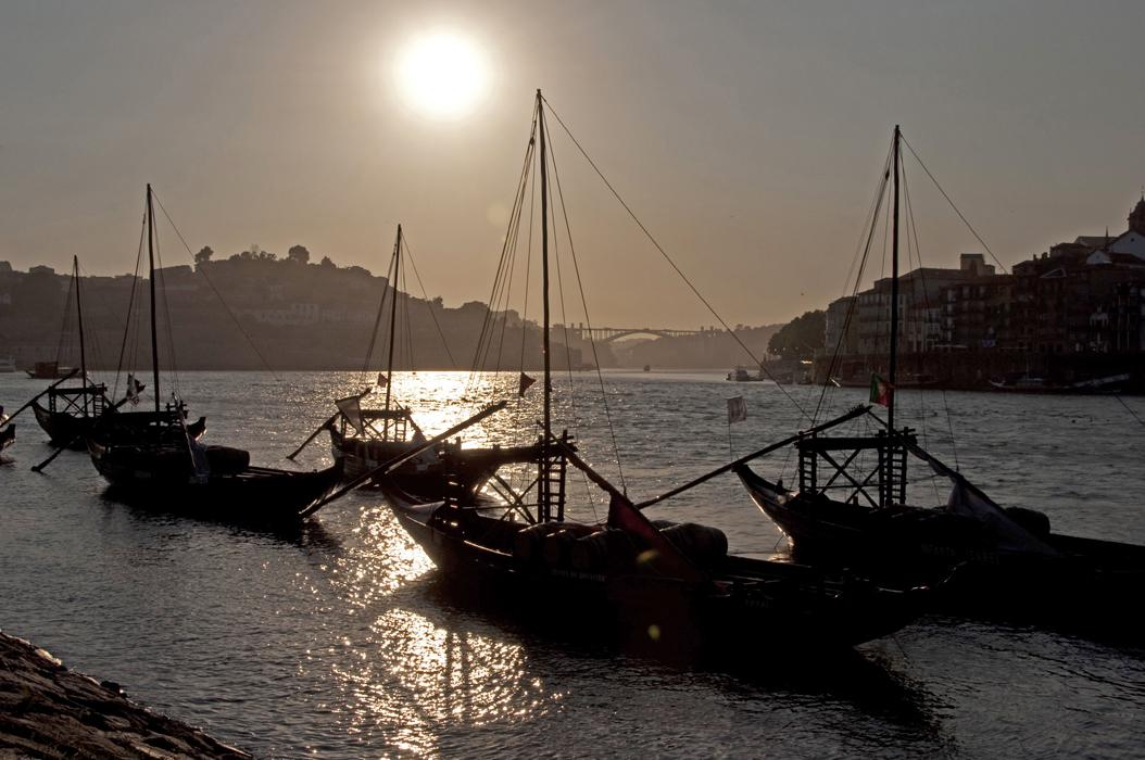 13 juancarlosgarcialorenzo-photography-flickr-portugal-porto-vilanovadegaia-barcosrebelos2