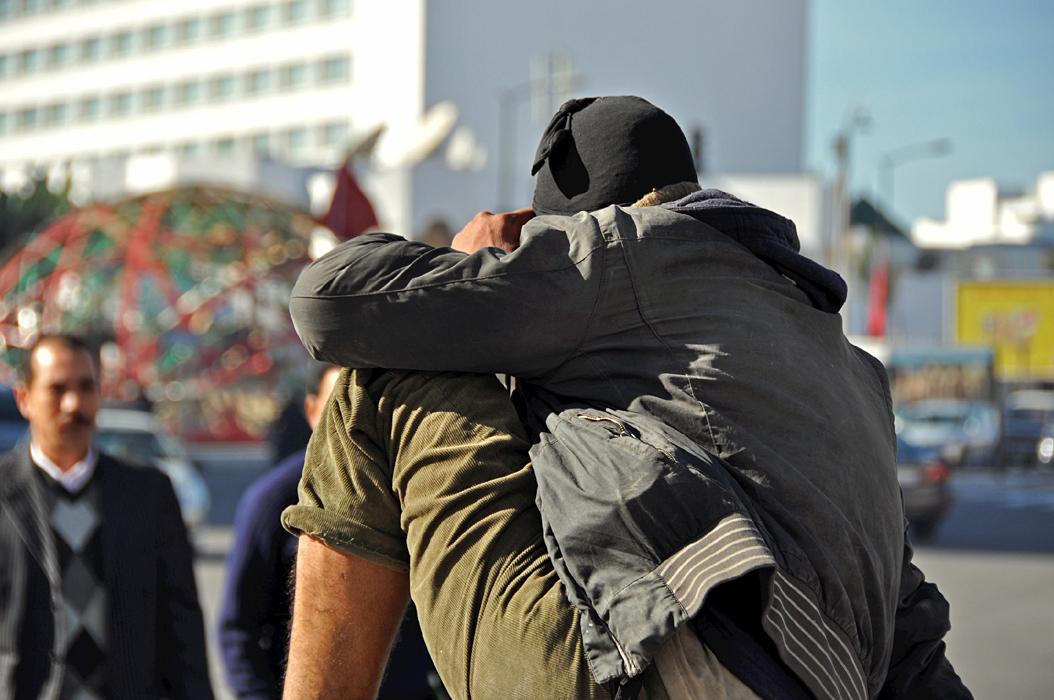 12 juancarlosgarcialorenzo-photography-flickr-morocco-casablanca-placedesnationsunies-beggar